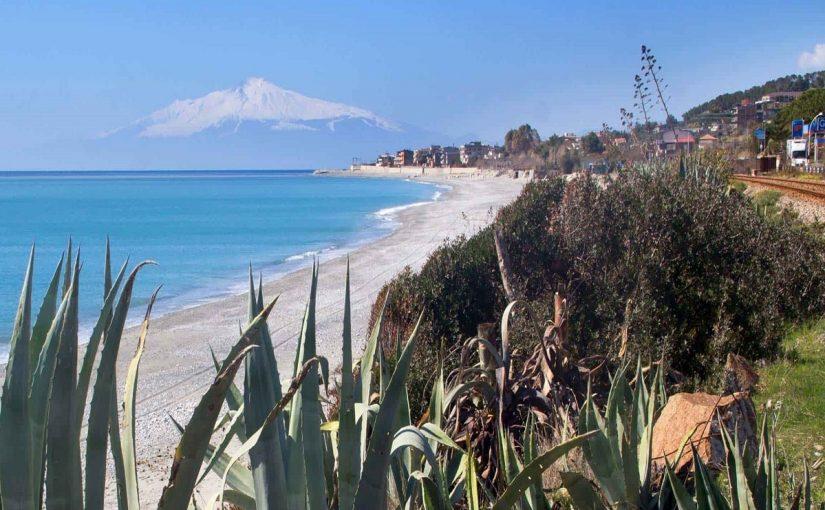Palizzi, the Mediterranean sea and the Wine